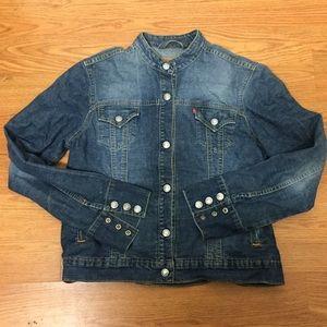 Women's levis blue jeans jacket size large